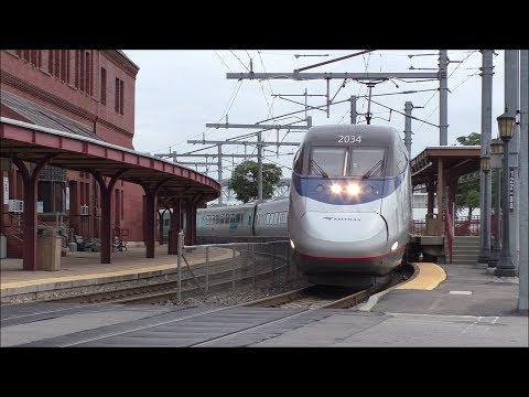 Amtrak & SLE HD 60fps: Northeast Corridor Morning Horn Action @ New London (9/18/17)