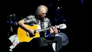 Steve Howe gets angry at audience members - Atlanta,GA 11-19-2012 ASIA show @ Variety Playhouse