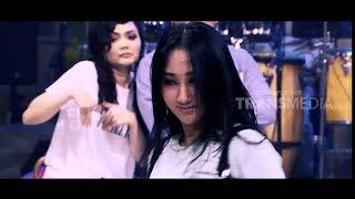 Download lagu Tari Modern Sandrina Bikin Semua Terpesona OPERA VAN JAVA Part 2 MP3