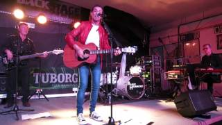 "Albert Hammond ""Don`t Turn Around"" Kinross September 27th 2015"
