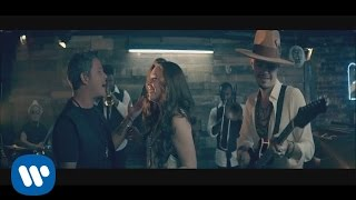 "Jesse & Joy - ""No Soy Una de Esas"" ft. Alejandro Sanz (Video..."