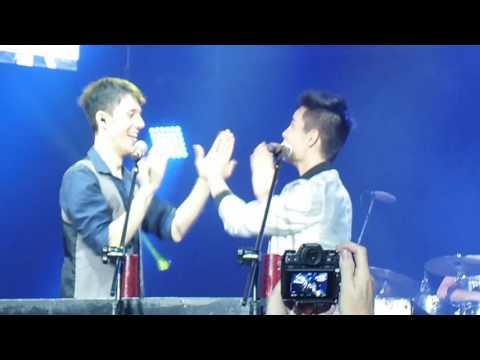 Sam Tsui and Kurt Schneider perform cups live in Manila