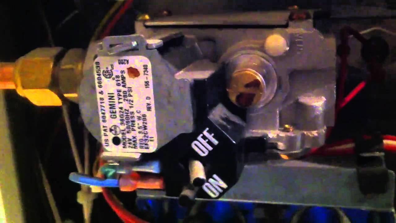 carrier furnace gas valve [ 1280 x 720 Pixel ]
