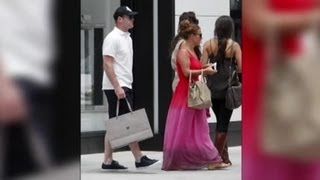 Wayne Rooney and Coleen Rooney Hit the Shops in Beverly Hills - Splash News | Splash News TV