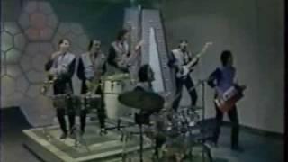 laflavour performing mandolay   miami 1982 1983