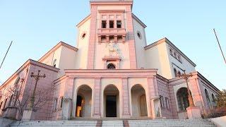 Durazzo, bella città in Albania, costa adriatica, Università Aleksandër Moisiu, porto, castello