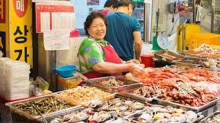 Seoul's Gwangjang Market and Kimchi Dumplings