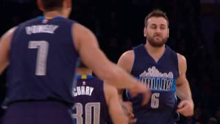 Andrew Bogut Puts Down a One-Handed Alley-Oop Against the Knicks