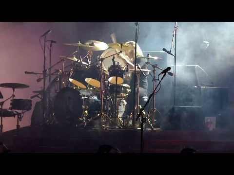 Insane Queen Drum duo Roger Taylor intro into ~Under Pressure