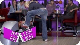 Bowling [subtitled] | Knallerfrauen mit Martina Hill