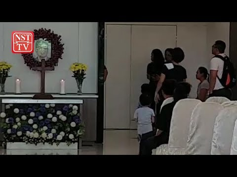 Sabah CM, cabinet ministers pay last respects to Datuk Siringan Gubat