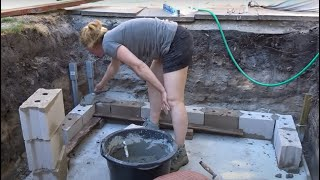 Nicole builds a Swimming Pool – Concrete Walls - Episode 3