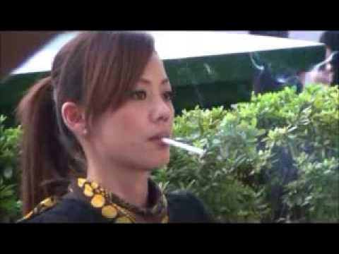 CHAIN SMOKER GIRL - SMOKING WOMAN BLOG.MP4 - YouTube