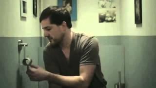 Смешная реклама туалетной бумаги (мужика проучили)