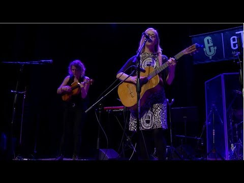 Laura Veirs - I Can See Your Tracks (Live on eTown)