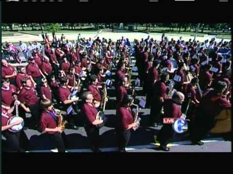 Quaker City String Band 2011 Columbus Day Parade - YouTube