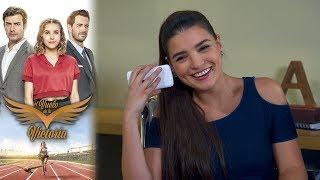 Adriana extorsiona a Victoria | El vuelo de la victoria - Televisa