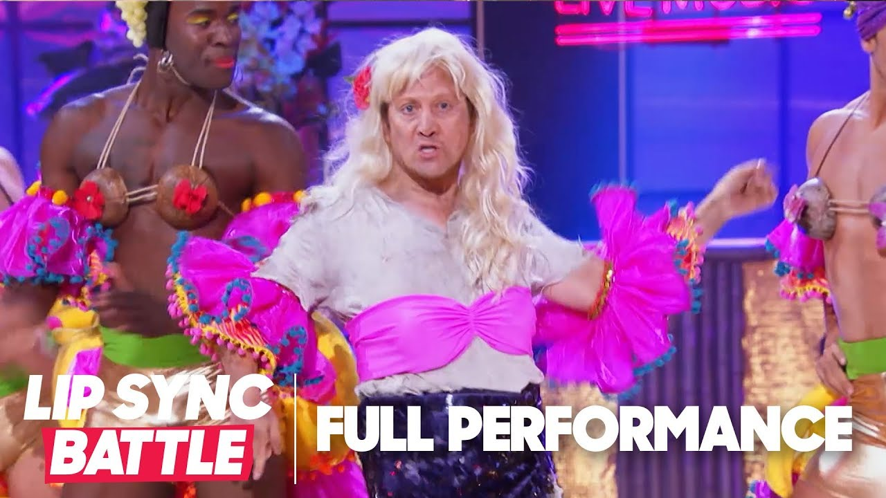 "Rob Schneider Performs ""Jealous"" & ""I Will Survive"" 
