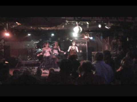Ultra Hip Revue 2009 Performances