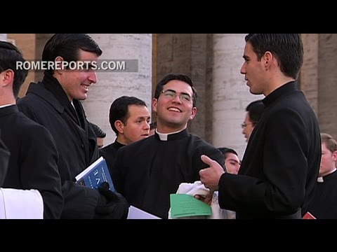 Vatican redesigns formation program for future priests