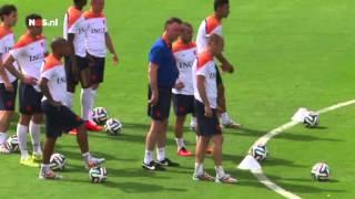 Van Gaal woedend, publiek juicht   NOS WK Voetbal