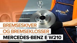 Montering Bremsebelegg MERCEDES-BENZ E-CLASS (W210): gratis video