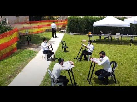 """""""התגעגענו"""": תלמידי הישיבות החרדיות חוזרים לשגרה מוזרה"""