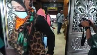 Download Video Eks PSK Pembatuan, Batu Besi dan Pal 18 Banjarbaru Dipulangkan ke Jawa MP3 3GP MP4