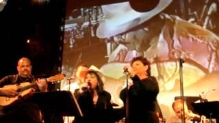 Melissa Mark Viverito celebrates w/ Aurora & Zon del Barrio