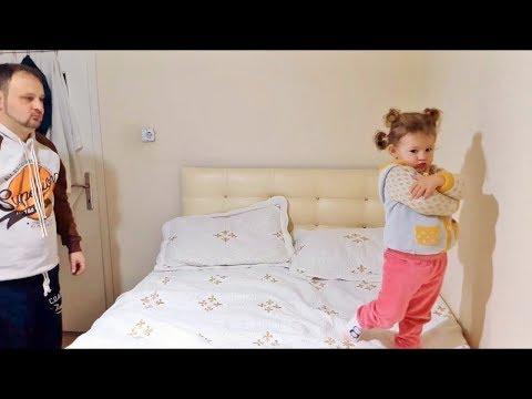 Babasına Küsen Küçük Kız