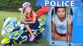 Öykü and Dad Pretend Play Police