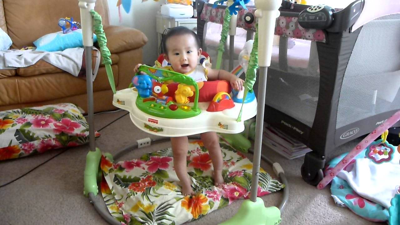 2aa491afb79e Fisher-Price Rainforest Jumperoo Manoa s happy laugh jumping - YouTube
