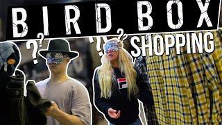 SHOPPING LES YEUX BANDÉS ?! 👀 #BirdBoxChallenge (ft. DouzeFevrier)