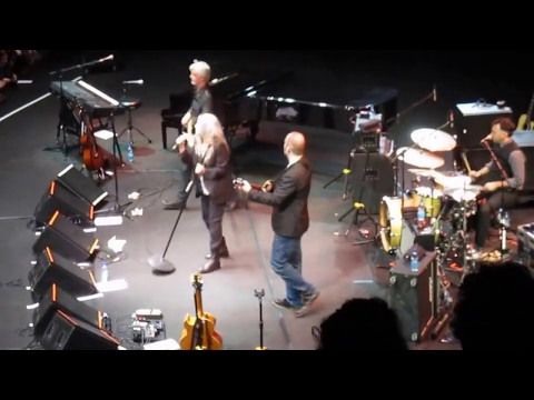 Patti Smith - Grateful: People have the power (bis)