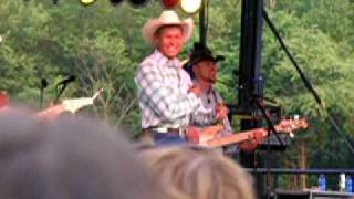 Neal McCoy performing The Shake