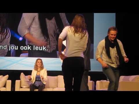ATWT live in Holland, Billy Magnussen dancing