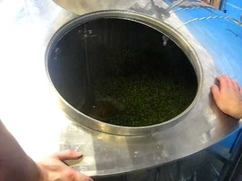 Fresh! Brewing Organic Cowiche Canyon Fresh-Hopped Ale