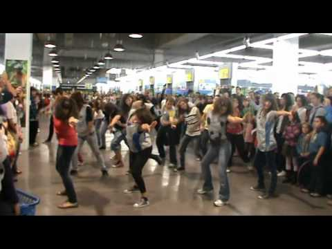 Flashmob Decathlon San Sebastian De Los Reyes Audio Original Youtube
