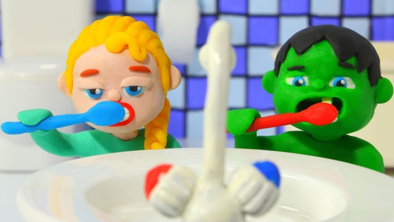 SUPERHERO BABIES WASH THEIR TEETH BEFORE GOING TO BED ❤ Hulk & Frozen Elsa PlayDoh Cartoons For Kids