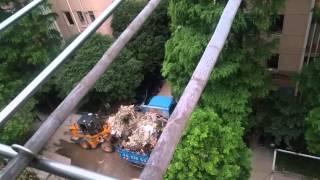 上海市杨浦区同济新村内的建筑垃圾站严重扰民