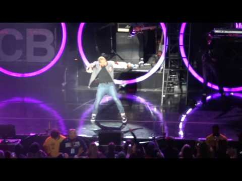 [HD] Chris Brown Feat. Tyga & Kevin McCall - Deuces LIVE (Part 1) - Irvine, CA - F.A.M.E. Tour