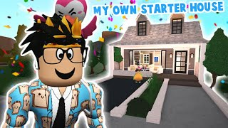 building my own bloxburg STARTER house... it's something else