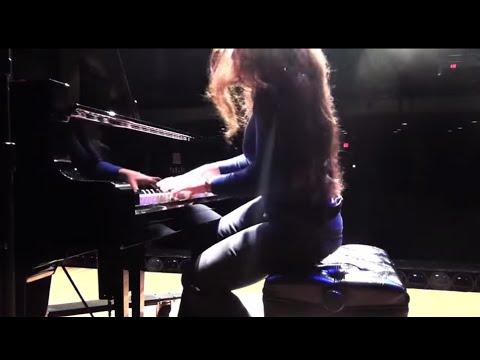 J.S.Bach / Rachmaninoff Prelude in E major-Pianist Yana Reznik