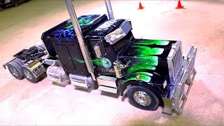 """The """"HORROR HAULER""""! 1:14th scale Extended Chassis Tamiya Semi Truck"""