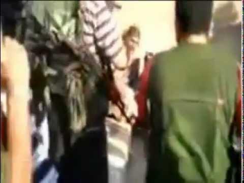 War crime? Syrian rebels execute POWs