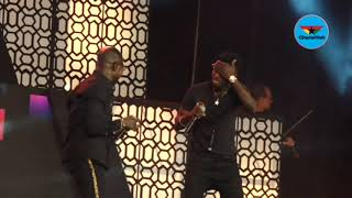 Kuami Eugene performs with Amakye Dede at 2019 VGMAs