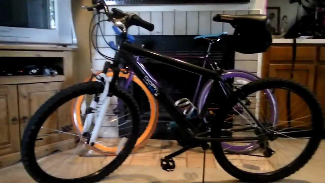 Roadmaster Granite Peak Men/'s Mountain Bike 26 Inches Wheels Black With Blue New