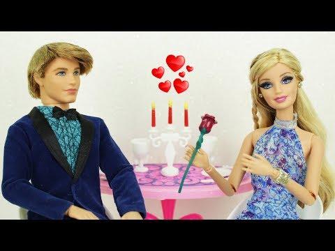 Barbie no encontro QUASE Romântico com Ken - Novelinha da Barbie Beatriz