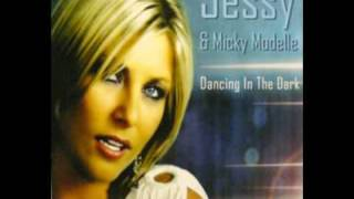 Jessy & Mickey Modelle - Dancing In The Dark (Extended Mix)