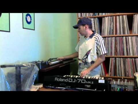 José d.j. Digital Tribal (Roland dj 70 + Microkorg + Yamaha vss-30)